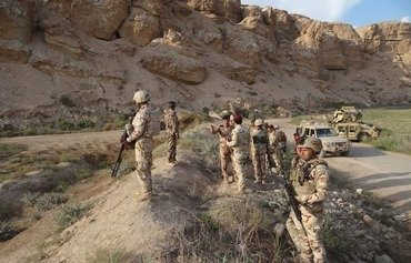 Iraqi forces kill 6 ISIS fighters in desert cave