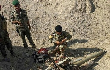 Iraqi forces sweep Anbar desert for explosives