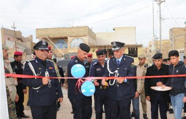 Local police to take charge of security in Iraqi provinces