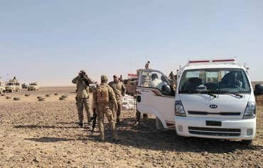 Iraqi forces tighten noose on ISIS remnants in Anbar desert