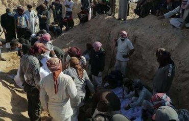 Al-Shaitat tribesmen executed by ISIS retrieved from mass grave