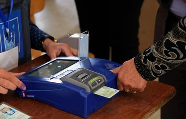 Mosul residents register to vote in June elections